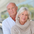 Älteres Paar muss mehr für KFZ-Versicherung zahlen
